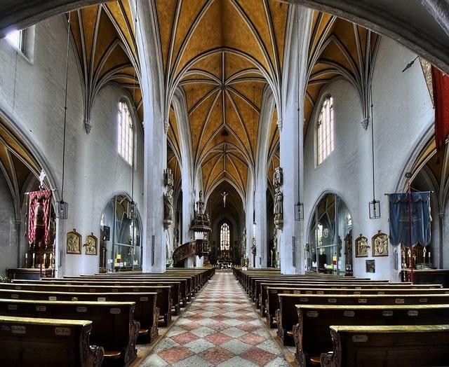 Kirche Reinigung